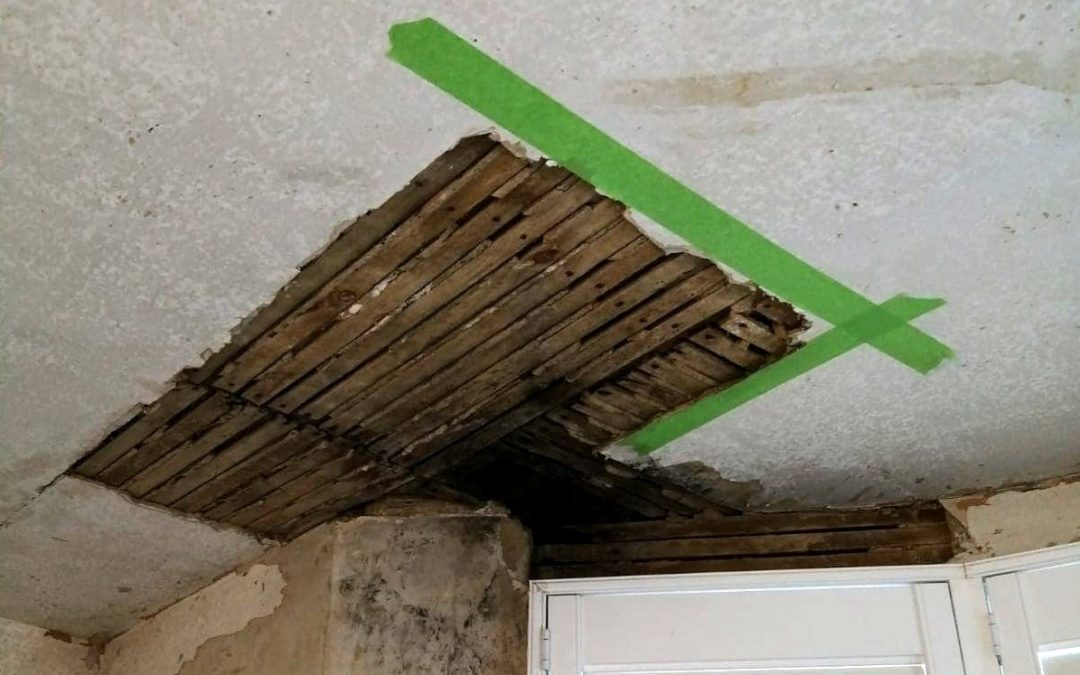 Fixing a cracked lath and plaster ceiling